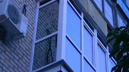 Услуги - остекление и отделка балконов в волгоградской облас.